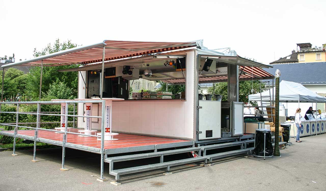 Barwagen Vermietung, Festwagen aufgestellt